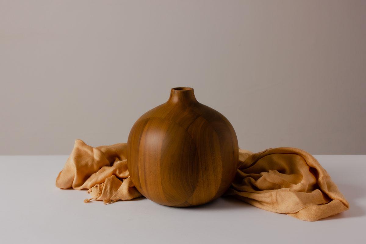 Decorama Gourd Vase Walnut Wood